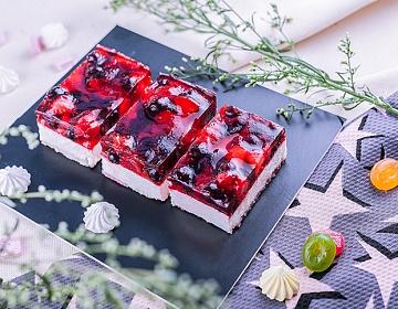 Чизкейк ванильный с ягодами